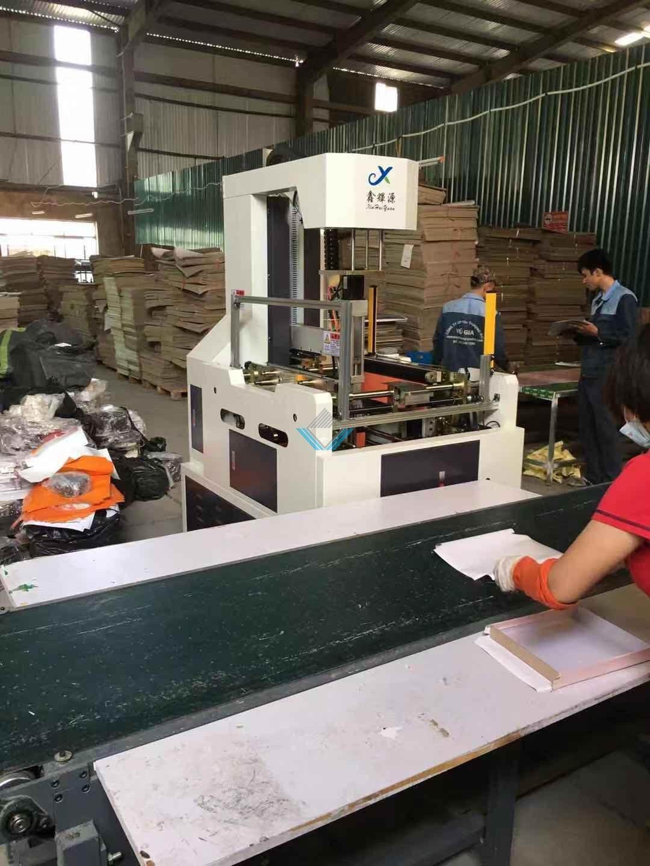 Máy sản xuất hộp cứng 3