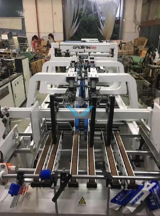 máy dán hộp tự động Yadu 9-1